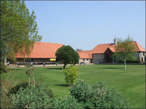 Field Pace Barn